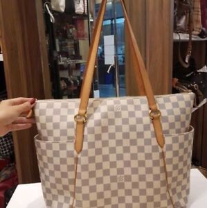 FS: Louis Vuitton Purse