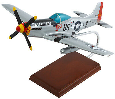 Usaf P-51d Mustang Old Crow 1/24 Desk Top Display Model Ww2 Aircraft Mc Airplane