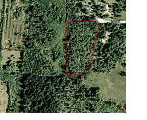 5.66 acres with well on Quadra Island close to amenities