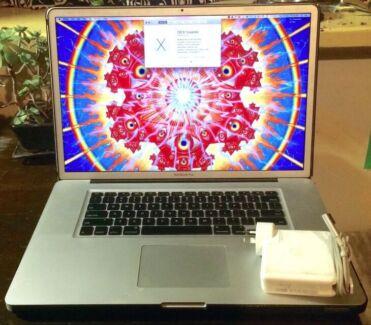 "Apple MacBook Pro 17"" Laptop Glen Huntly Glen Eira Area Preview"