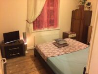 Double room to rent, near Evesham, Worcestershire.