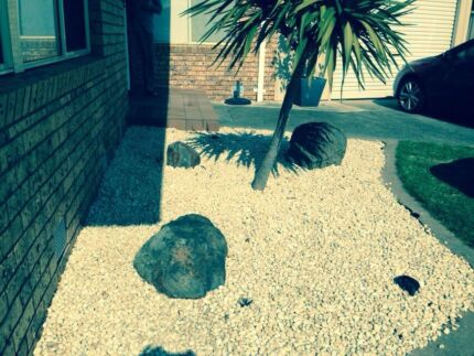 Free large garden rocks Gladstone Park Hume Area Preview