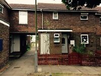 3 bed semi detached in immaculate condition in the North of Luton close to schools and train station