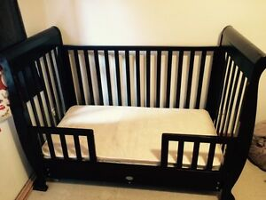 Sleigh style baby cot 3in1 Mermaid Waters Gold Coast City Preview