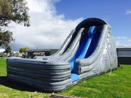 Giant Mountain Screamer Twin Slide Bouncy Castle Jumping Castle Port Kennedy Rockingham Area Preview