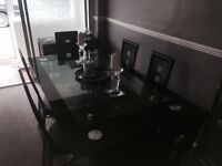 Table and 6 chairs glass vgc