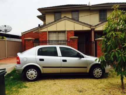 2004 Holden Astra mannul  Sunshine Brimbank Area Preview