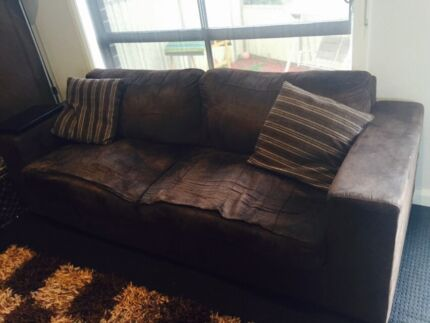 Sofa for free Meadow Heights Hume Area Preview