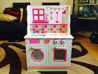 2 IN 1 KITCHEN AND DOLLS HOUSE PLAYSET WOODEN ROLE PLAY - DOUBLE SIDED