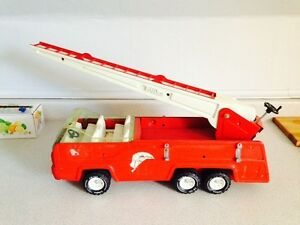 Large Vintage TONKA Aerial Ladder Red Fire Truck