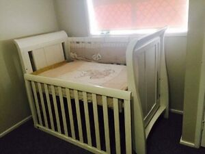BABY COT Macquarie Fields Campbelltown Area Preview