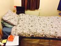 !!Move in Today !! Room for share in House in Barking East London ON A13 250£/month