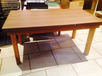 Sturdy table Casula Liverpool Area Preview
