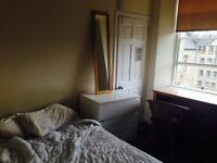 Double bedroom sublet, a minute from the royal mile!