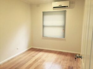 new decoration house for rent near 86tram stop 64 or 65 Bundoora Banyule Area Preview