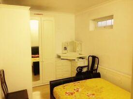 Room to rent in Feltham immediately