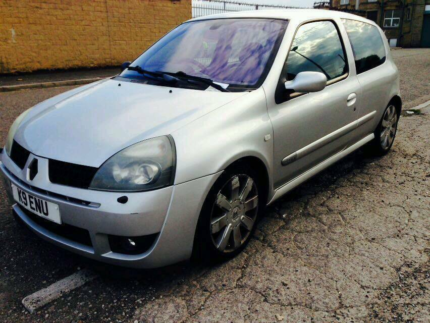 Renault clio 2.0 sport px possible