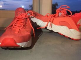 Nike air huaraches size UK6