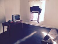 2 bedroom house available, £325 per 4 weekly. DSS considered prefer employed tenants. Deposit 250