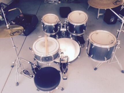 Pearl Forum 5 pce drum kit Joondalup Area Preview