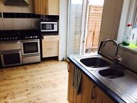 STUNNING ROOM TO RENT FOR A SINGLE PERSON INC ALL BILLS CALL ME NOW ON 07841025155 NEEDS TO GO