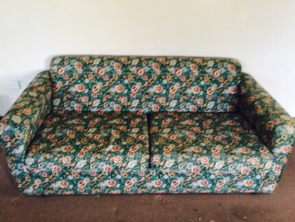 Sofa bed with steel frame excellent condition Bomaderry Nowra-Bomaderry Preview