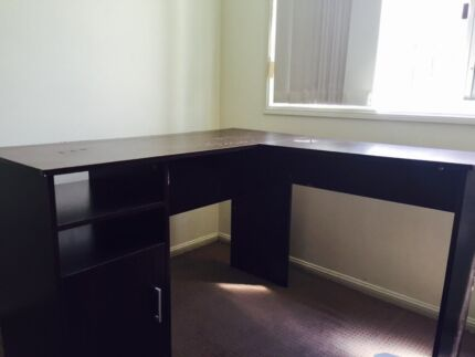 Free Computer table/desk Kirwan Townsville Surrounds Preview