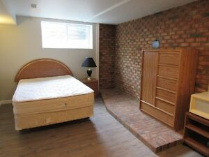 19 Newcombe - Sleeping Room - Available Immediately
