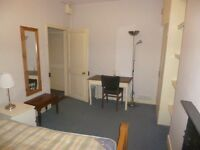 2 Double Rooms in shared house