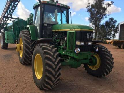 John Deere 7800 FWA in excellent condition