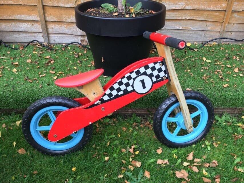 Balance bike £5