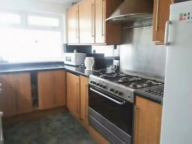Lovely 4 bedroom house at 47 North Hill Road