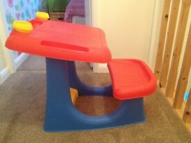 Sit and draw desk £5