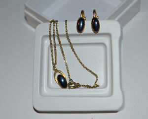 Vintage black diamond pendant with matching clip-on earrings