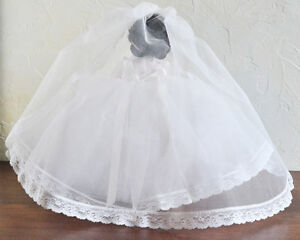 """VINTAGE MADAME ALEXANDER BRIDE DOLL #1570 14"""" XLNT COND w BOX Stratford Kitchener Area image 4"""