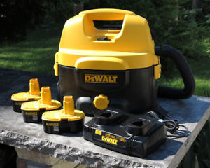 Dewalt Vacuum DC500 with 3 Batteries and Dual Charger