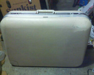 Delsey Suitcase Luggage w Wheels - Made in Paris France