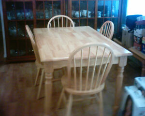SOLID WOOD TABLE AND 4 CHAIRS PLUS BENCH