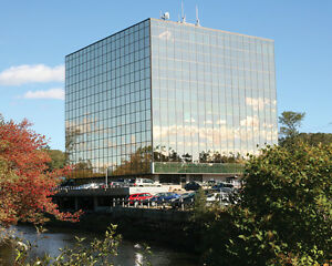 Prime Office Space for Lease in Sun Tower - Bedford