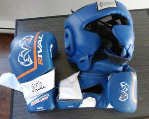 Casque de protection et gants RIVAL