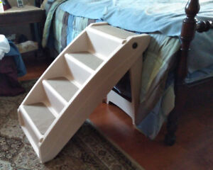Pet Stairs to Bed