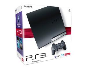 PlayStation 3 avec jeux et manettes