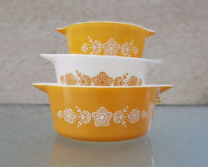 Vintage 'Butterfly Gold' Pyrex Casserole Set with Lids 1970's