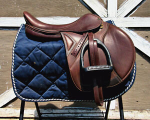 "17.5"" Ovation Jumping/Cose Contact Saddle w/ Changeable Gullet"
