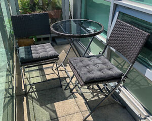Patio Bistro Table and 2 Chair Set