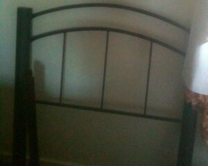 Single Bed (Metal Bed Frame & Mattress)