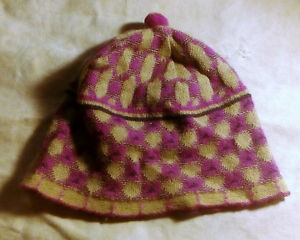 WOMEN LILAC CAP BONNET HAT CHULLO. NICE, SOFTY WARM BABY ALPACA