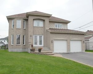 PARADISE HOME IN VAUDREUIL