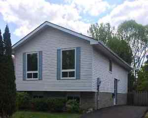 33 Sympatica Cres. - Fully Detached