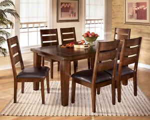 BEAUTIFUL CAPPUCCINO FINISH DINING TABLE SET BRAND NEW